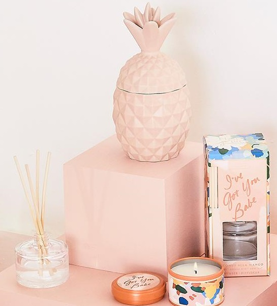 ILLUME CANDLES<br /><br />
